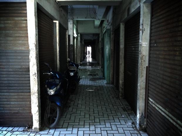 Lantai 2 China Trade Center yang cocok untuk shooting film horor atau film gangster