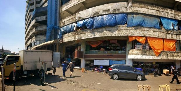 Tampak depan gedung China Trade Center a.k.a Pasar Pagi Asemka